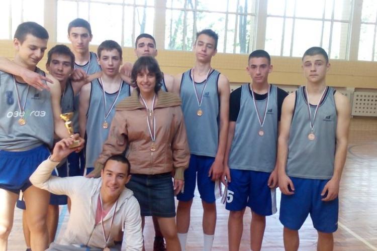 Ученици от френската гимназия станаха 3-ти по баскетбол | fr.gimn.jpg