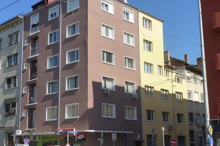 Реновираната фасада на ул. 'Ген. Паренсов' 33 | Parensov_33_sled.jpg